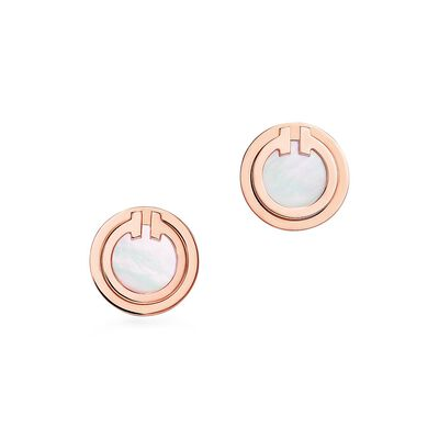 Tiffany T mother-of-pearl circle earrings in 18k rose gold